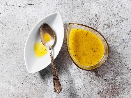 Пикантен цитрусов сос от портокалов конфитюр, лимон, чили и соев сос за пиле - снимка на рецептата